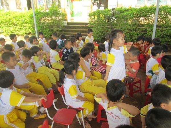 Tặng hai giếng khoan cho trường Hoa Mai và Chùa Hoa Khai 14